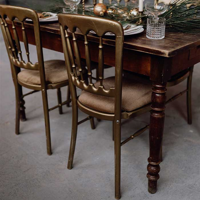 Yes Please Rentals - Holzstuhl gold