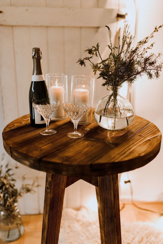 Yes Please Rentals Mietmobiliar Hochzeit Stehtisch vintage