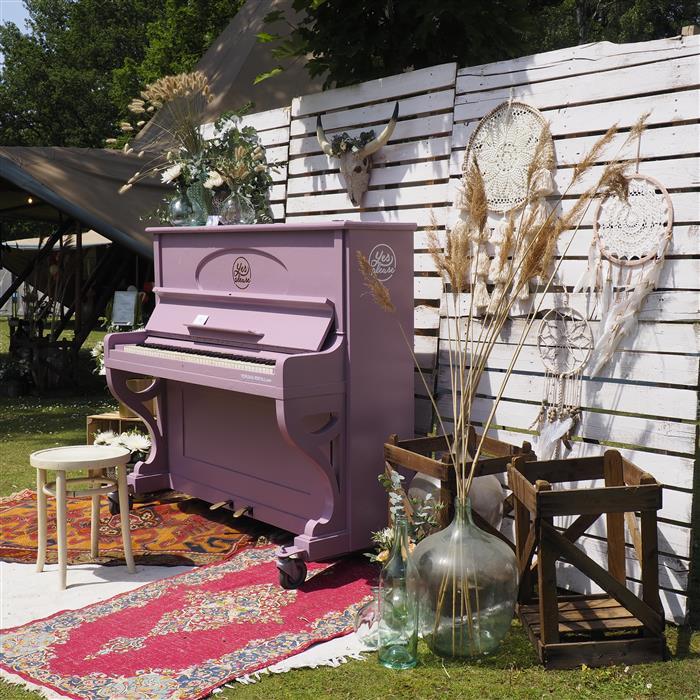 Yes Please Rentals Hochzeit Mietmobiliar Backdrop Klavier Dekoration mieten