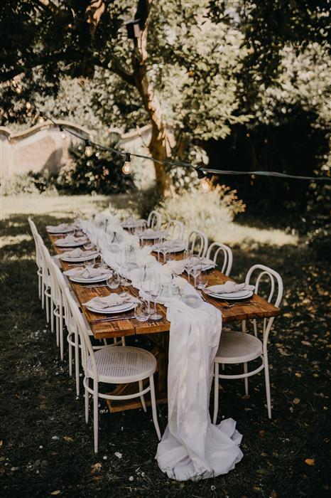 Yes Please Rentals Mobiliar mieten Hochzeit - Gartenparty Paket - White (1)