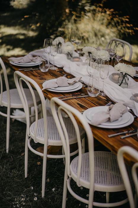 Yes Please Rentals Mobiliar mieten Hochzeit - Gartenparty Paket - White (4)